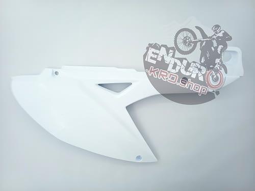 03.01.0003 -Пластик боковина задняя правая СХ250\300 A7L