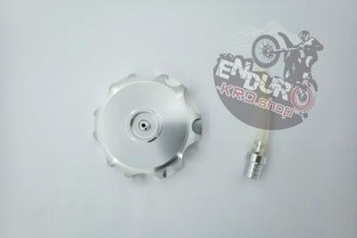 8713668001134 - Крышка топл.бака алюминий CNC CR250/300 [object object] -                                            cnc cr250 300 400x267 - Крышка топл.бака алюминий CNC CR250/300