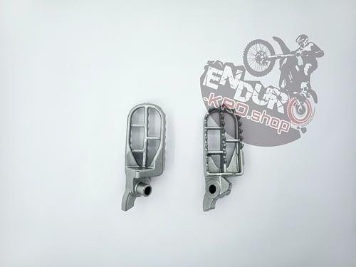 Комплект подножек CNC для мотоциклов ZM (Zuum)
